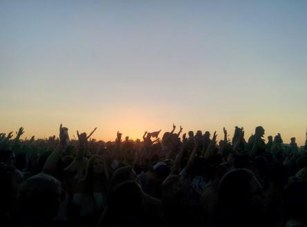 04 falls sunset hands